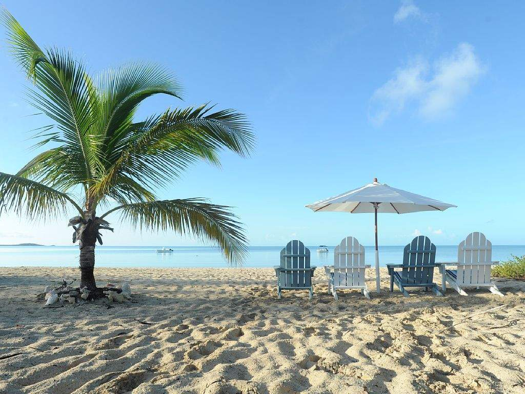 Luxurious Beachfront Home
