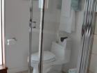 17a Bath VIP Ipe shower 48