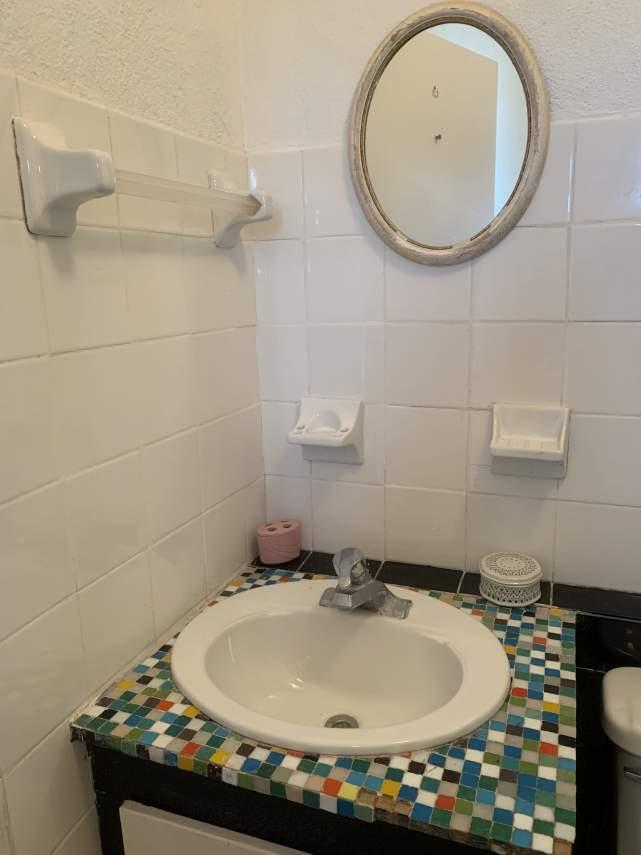Guest-Cottage-Vanity