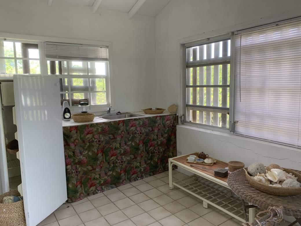 Guest-Cottage-kitchenette
