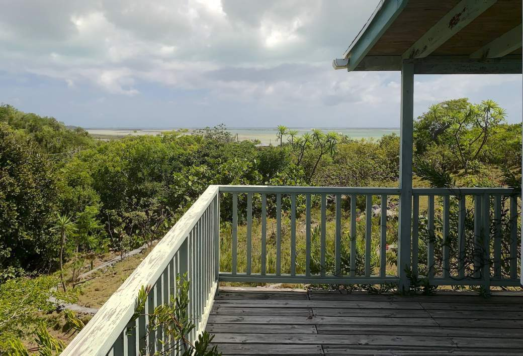 View-of-the-sea-from-front-porch